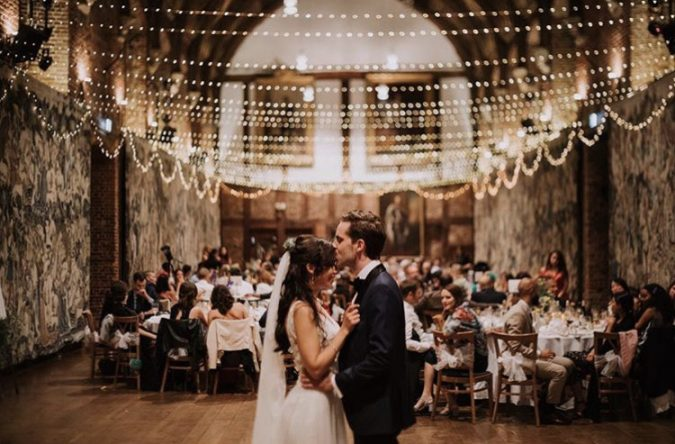 bg in old palace 675x444 - Get the Best Wedding Immortalization