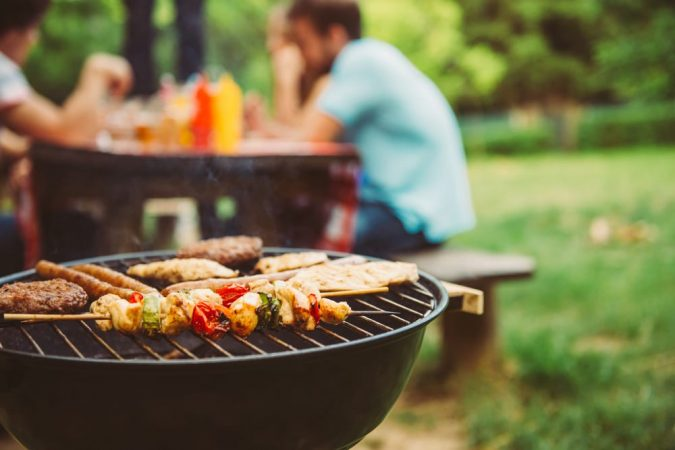 shutterstock 451311433 675x450 - How To Plan A Family Barbeque